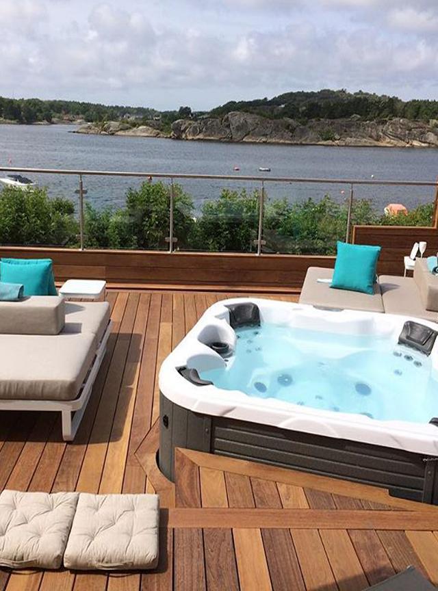 Фото спа бассейн на террасе