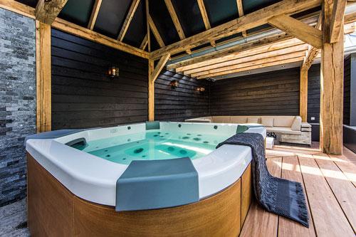 Гидромассажный мини бассейн Jacuzzi Santorini Italian design
